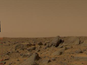 Large boulders are visible in this enlargement of pictures taken by the Imager for Mars Pathfinder (IMP) lander camera on July 4, 1997.