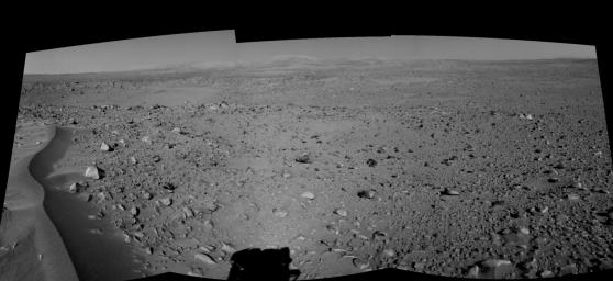 Lahontan Crater Looms (right eye)