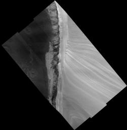 Scarp within Chasma Boreale