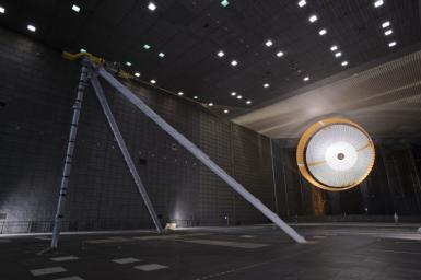 The parachute for NASA's Mars Science Laboratory passed flight-qualification testing in March and April 2009 inside the world's largest wind tunnel, at NASA Ames Research Center, Moffett Field, Calif.