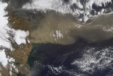 NASA's Terra satellite flew directly over Iceland on April 19, 2010 and captured this image of the Eyjafjallajökull volcano and its erupting ash plume. 3D glasses are necessary to view this image.