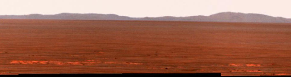 Rim of Endeavour on Opportunity's Horizon, Sol 2424 (False Color)