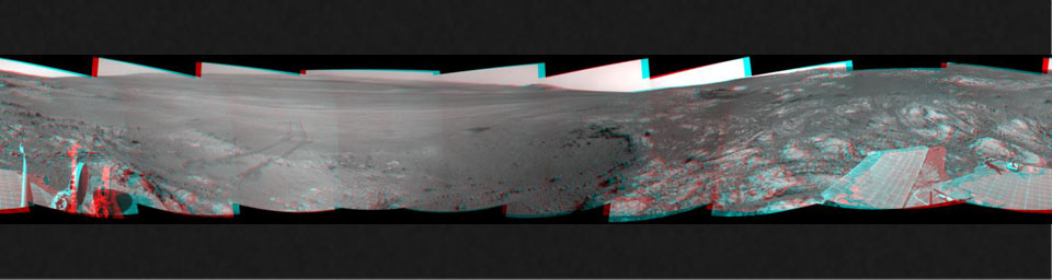 This full-circle, 3-D panorama shows the terrain around the NASA Mars Exploration Rover Opportunity on part of a relatively flat, light-toned outcrop called 'Whitewater Lake.' The basin of Endeavour Crater is in the left half of the image.
