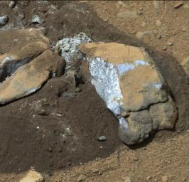 The Mast Camera (Mastcam) on NASA's Mars rover Curiosity showed researchers interesting internal color in this rock called 'Sutton_Inlier,' which was broken by the rover driving over it.