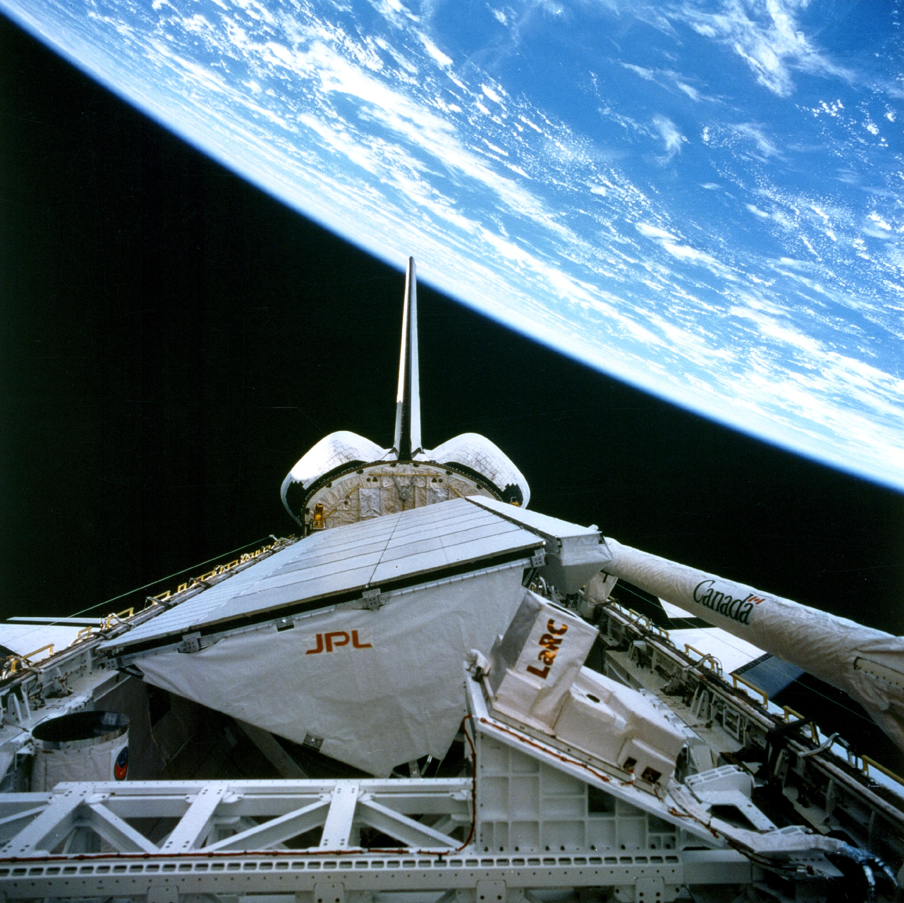 space shuttle endeavour orbiting - photo #15