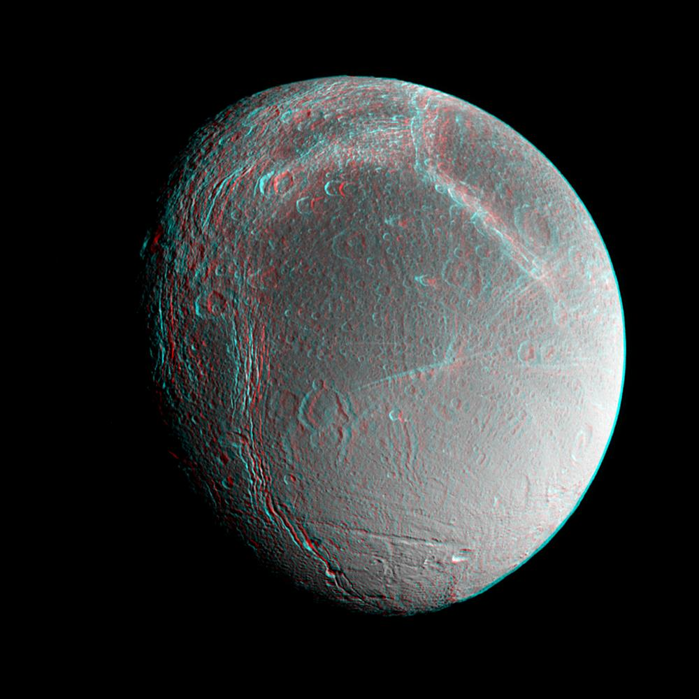 Space images dione anaglyph for Space in 3d