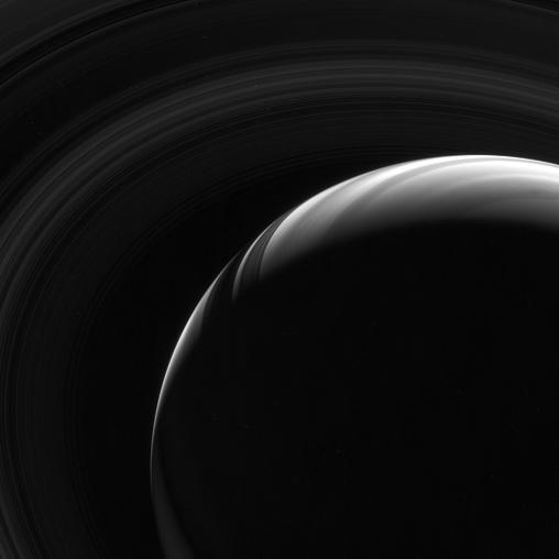 Plusieurs points de vues sur Saturne