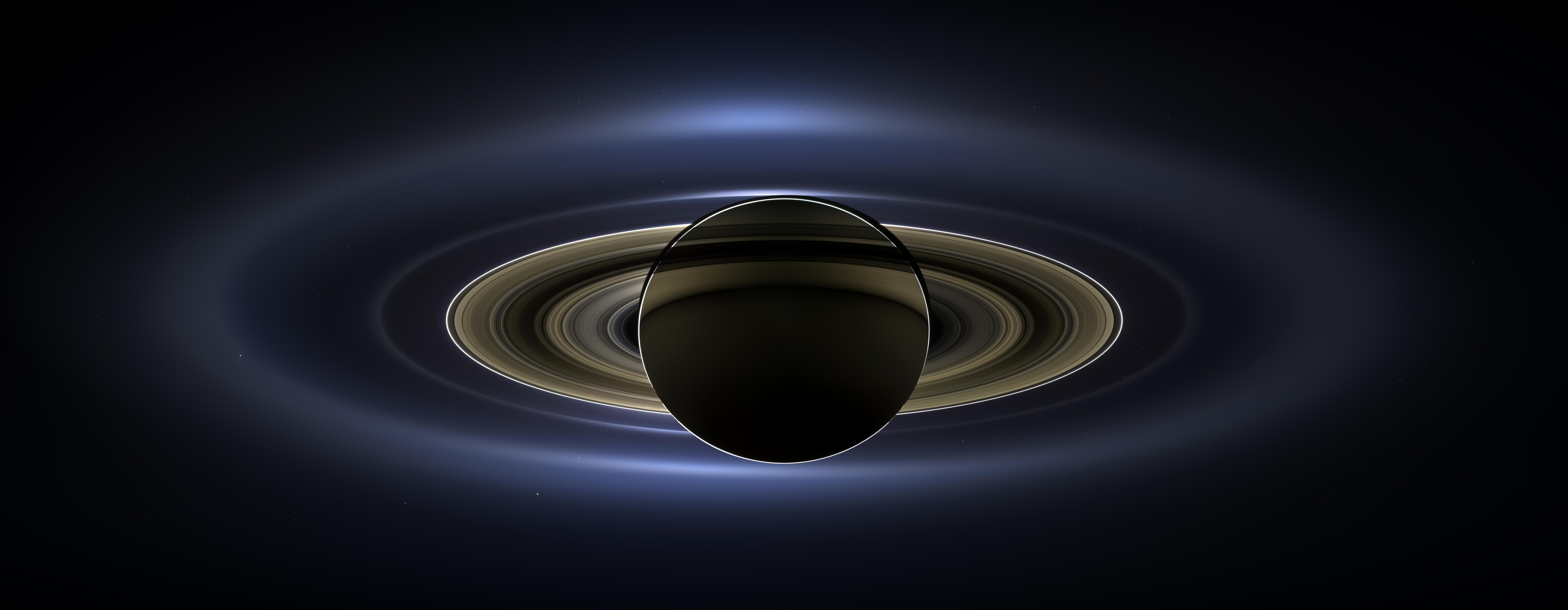 Cassini discovered a shower of ice and organic matter in the atmosphere of Saturn 9