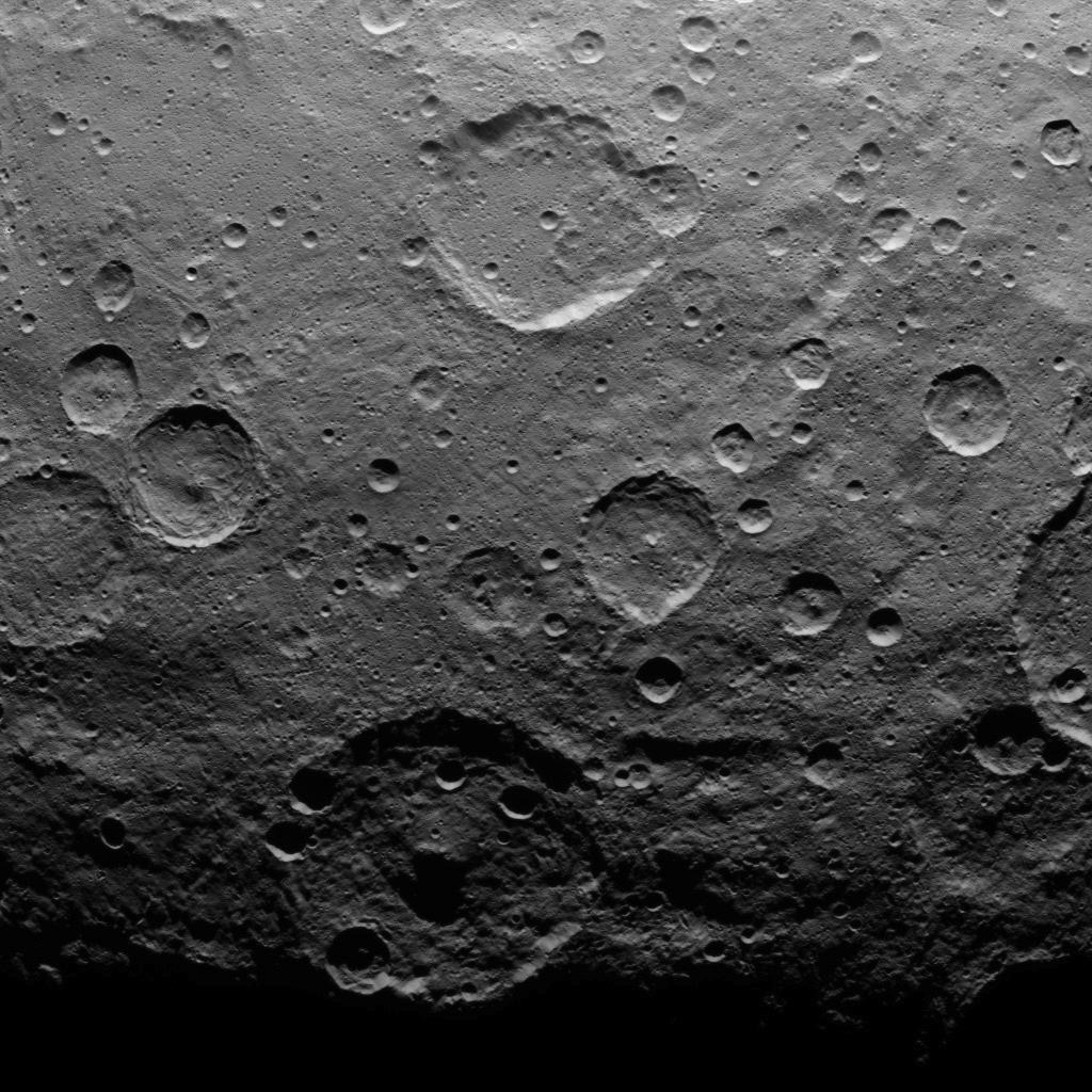 Mission Dawn/Ceres - Page 2 PIA19614