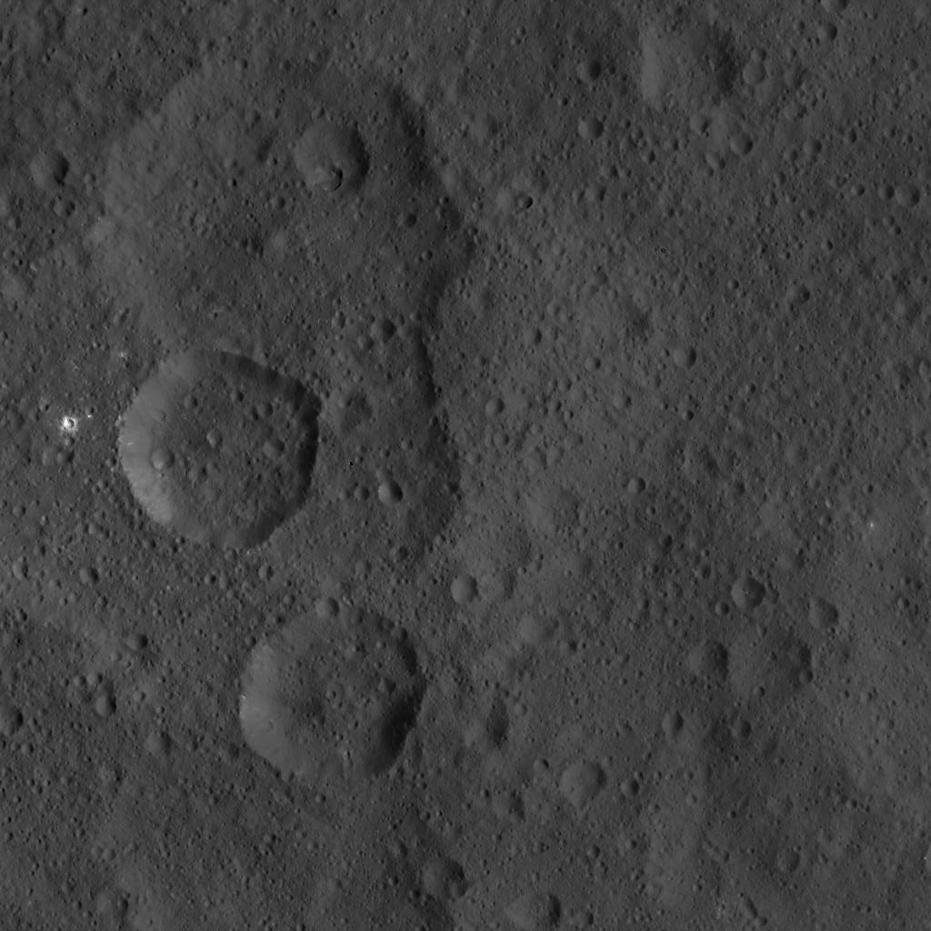 Mission Dawn/Ceres - Page 3 PIA19902