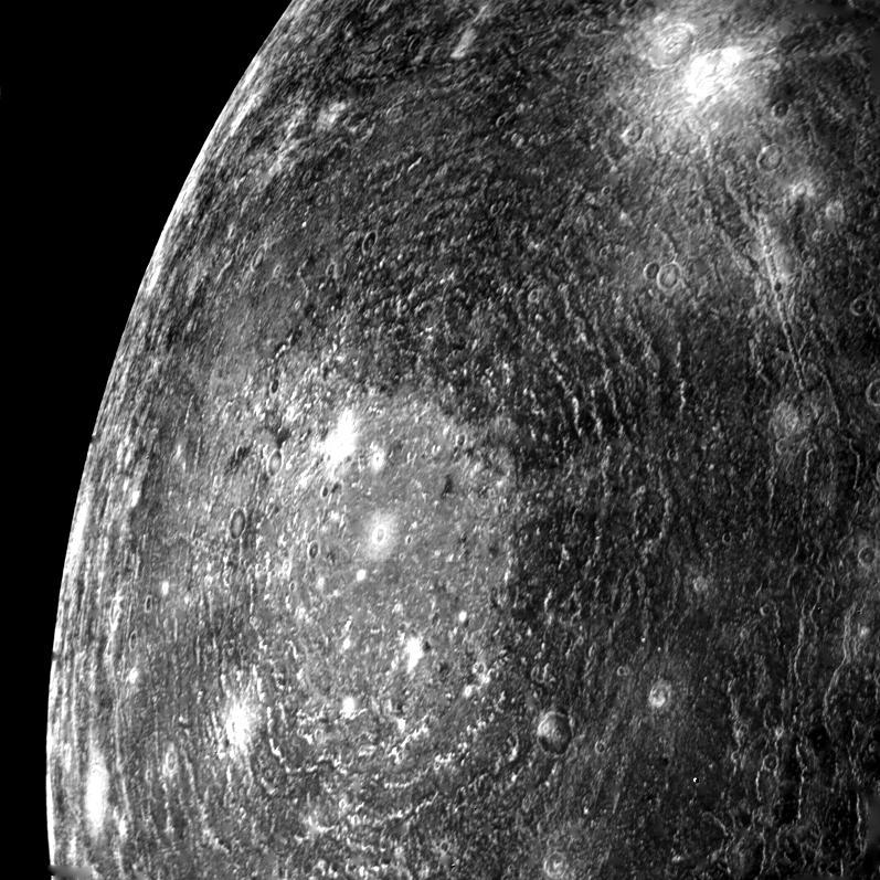 La regione Valhalla su Callisto fotografata dal Voyager 1, foto NASA/JPL