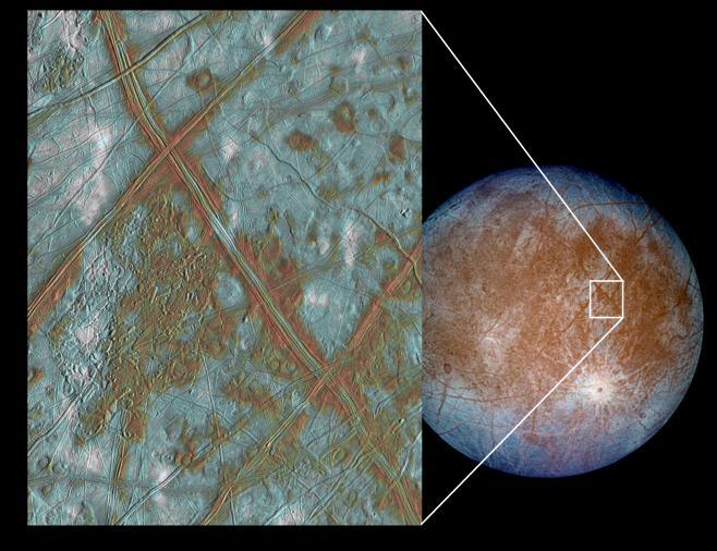 """Снимок слева показывает участок коры Европы, сложенный из блоков, которые, похоже, отламывались и  """"переплывали """" на..."""