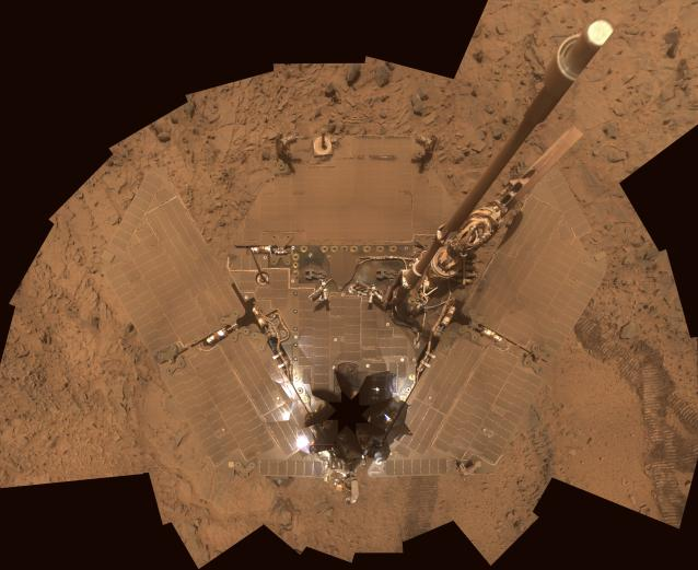 Mars Spirit rover covered in dust