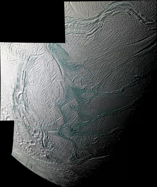 Cassini survole les geysers d'Encelade