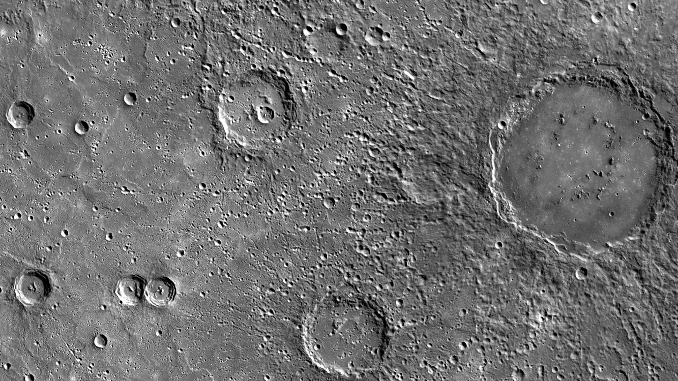 What does the surface of Mercury look like? - Astronomy ...