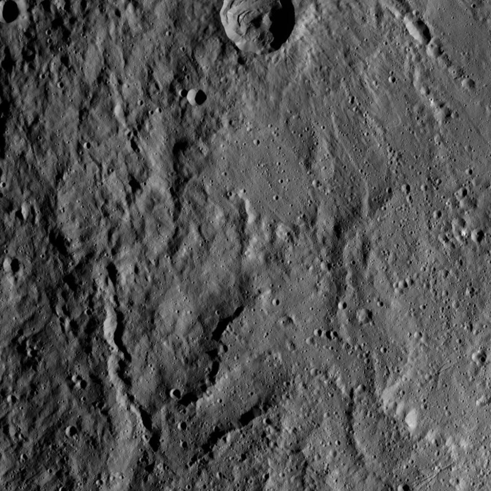Mission Dawn/Ceres - Page 3 PIA19899_modest