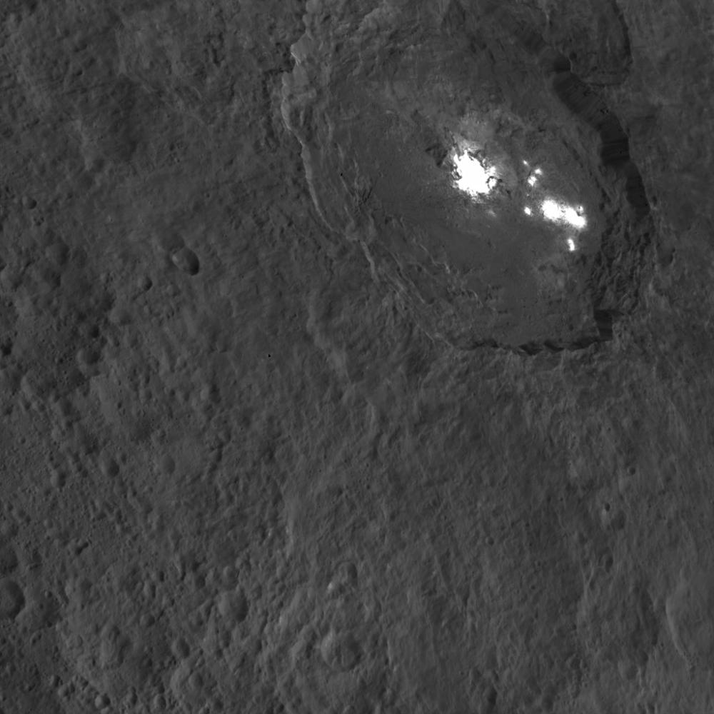 Mission Dawn/Ceres - Page 3 PIA20132_modest