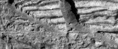 Very High Resolution Image of Icy Cliffs on Europa